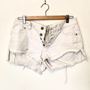 Free people | white denim shorts